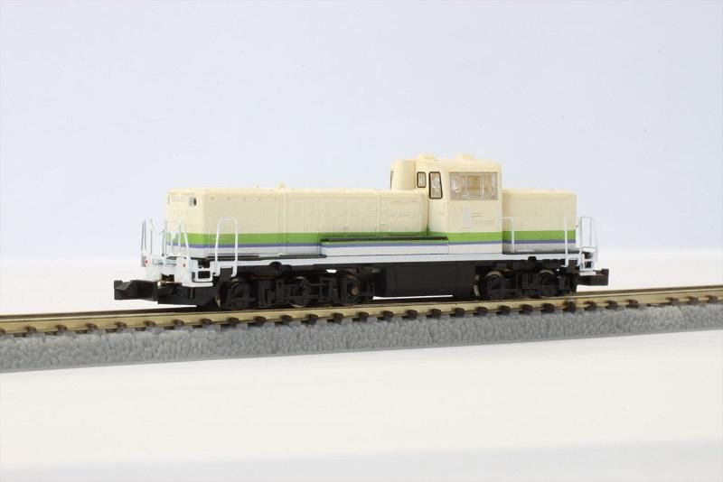 T012-3 DE10 A寒地型 シルフィード色