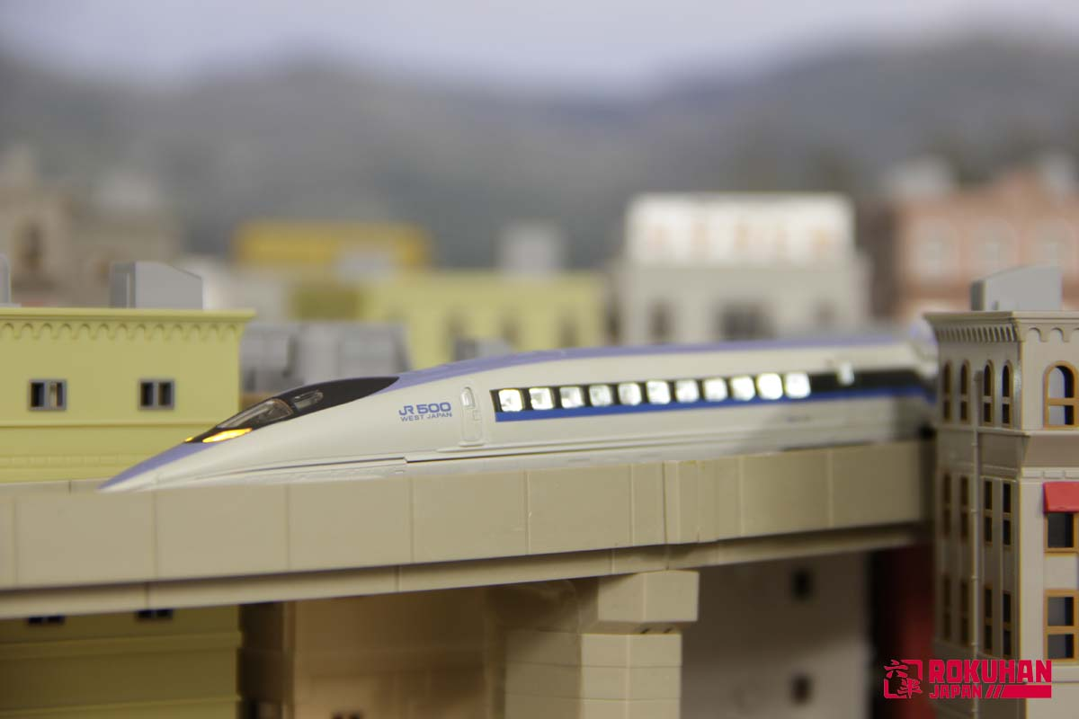 A030 新幹線用室内灯(先頭車用)